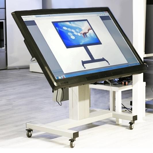 Televizní stojan motorizovaný, nastavení výšky i náklonu pomocí ovládání - OMB Electric Trolley