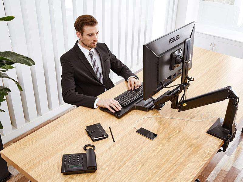 Kancelářský držák pro volbu, zda chcete pracovat vsedě nebo vestoje, snadné a rychlé polohování, vynikající kvalita, barva černá nebo bílá - Fiber Mounts FC35