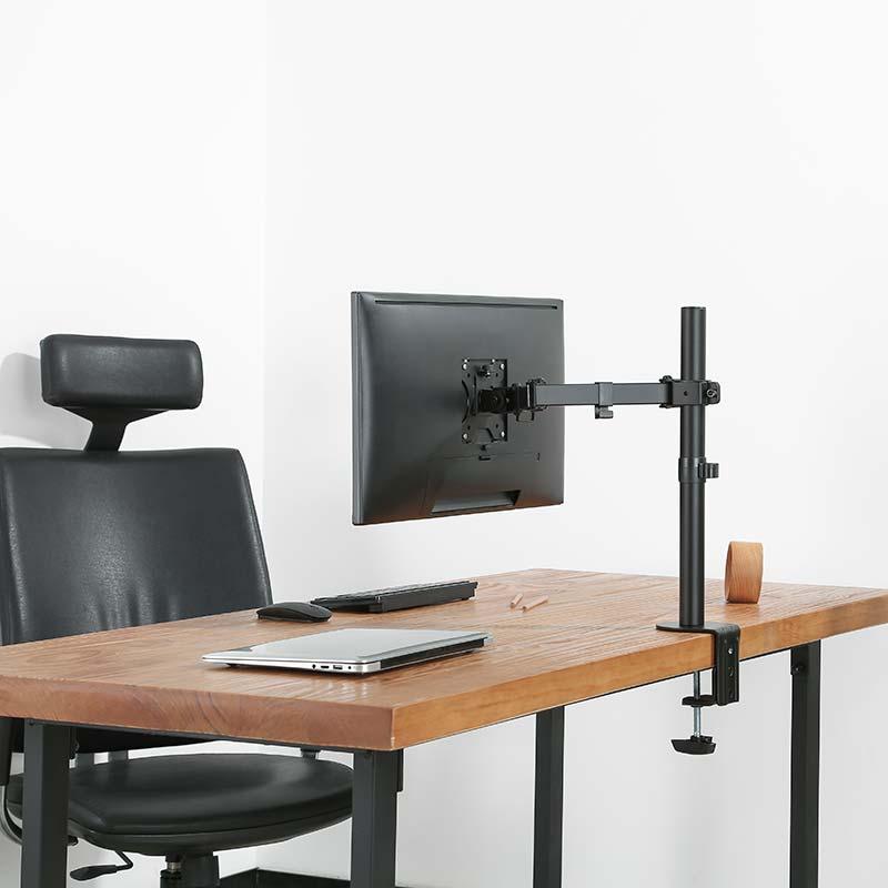 Levný držák na monitor 13-32 palců Fiber Novelty F10 splní požadavky i náročným zákazníkům, přitom za zlomek ceny jiných držáků na monitory. Otočný, sklopný, délkově a výškově stavitelný, funkce pivot, vedení kabeláže, 2 úchyty na stolové desky...